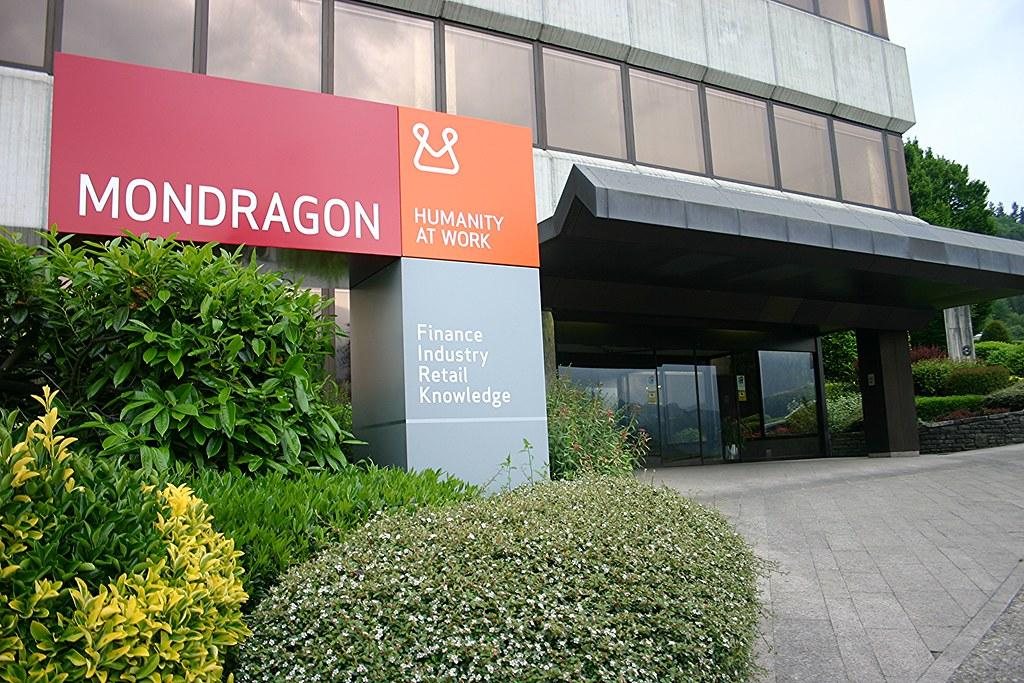 The Capacity of Human Plasticity to Forge Highly Cooperative Institutions: Collaboration Emerges between Mondragon University and the Evolution Institute